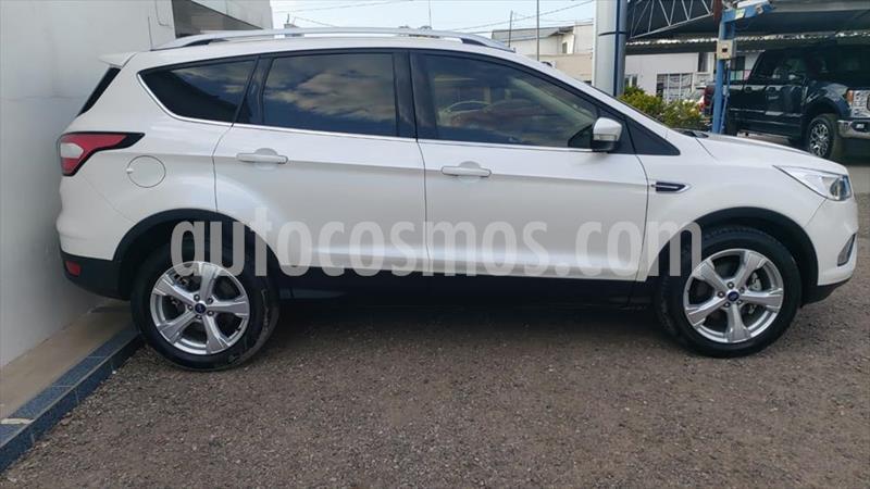 Ford Escape TREND 2.5L usado (2018) color Blanco precio $360,000