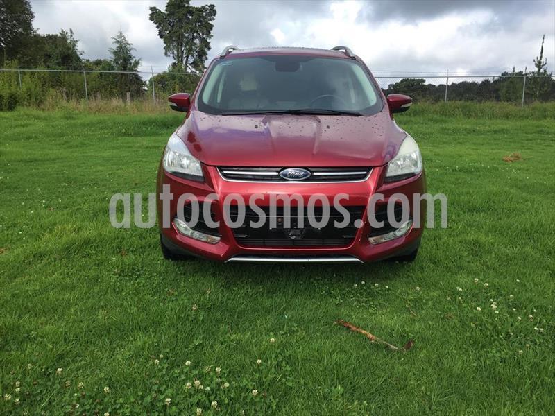 Ford Escape Titanium EcoBoost usado (2016) color Rojo precio $256,000