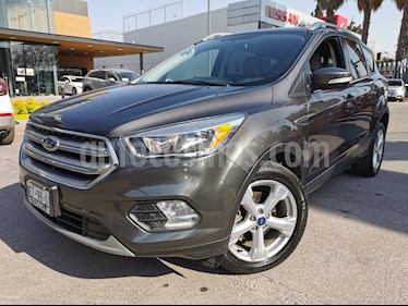 Ford Escape Trend Advance usado (2017) color Gris Nocturno precio $300,000