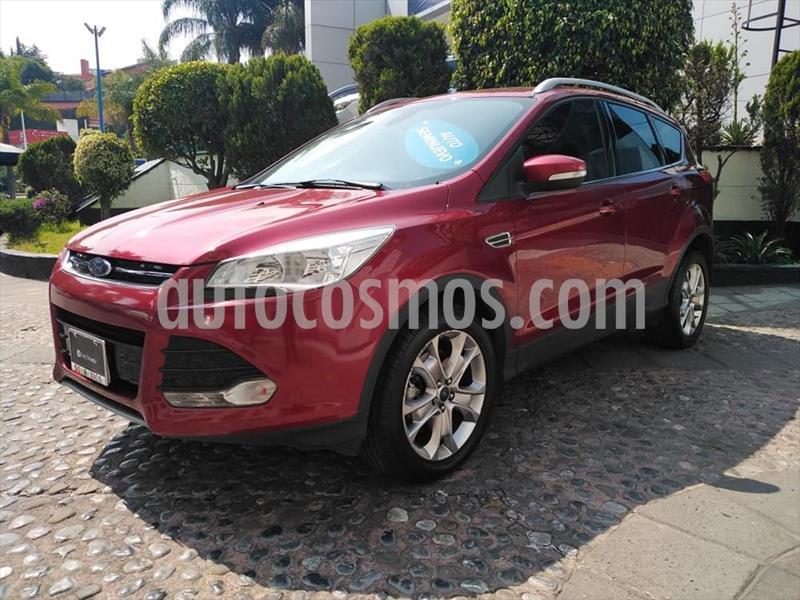 Ford Escape Titanium EcoBoost usado (2015) color Rojo precio $235,000
