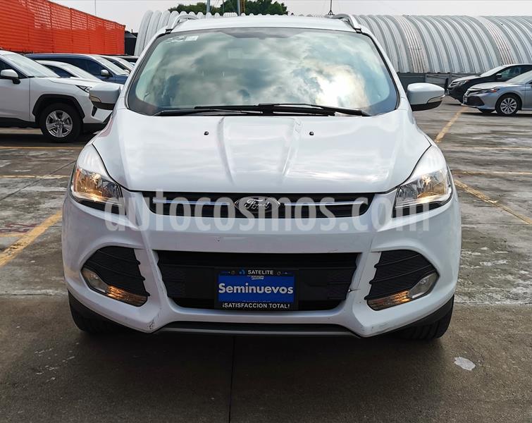 Foto Ford Escape SE Advance usado (2015) color Blanco Oxford precio $249,000