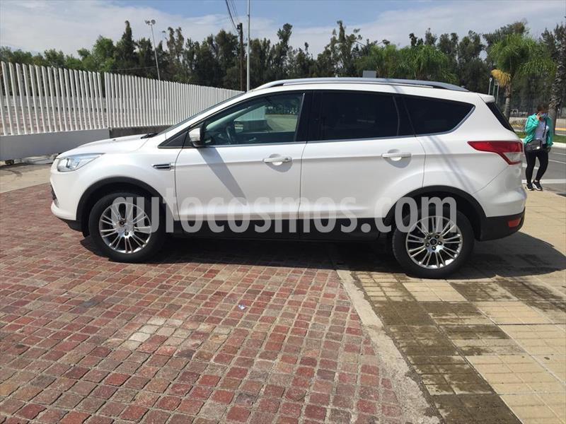 Ford Escape 5P TREND L4 2.5 AUT usado (2015) color Blanco precio $210,000