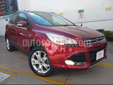 Ford Escape Titanium usado (2015) color Rojo precio $228,000