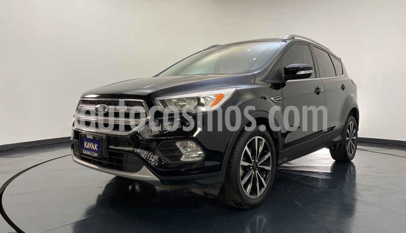 Ford Escape Titanium usado (2017) color Negro precio $344,999