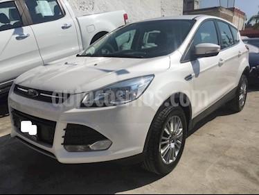Foto venta Auto Seminuevo Ford Escape S 2.5L (2015) color Blanco precio $234,000