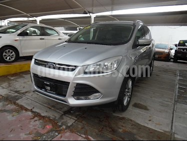 Foto venta Auto Seminuevo Ford Escape SE ADVANCE 4x2 (2015) color Plata precio $250,000