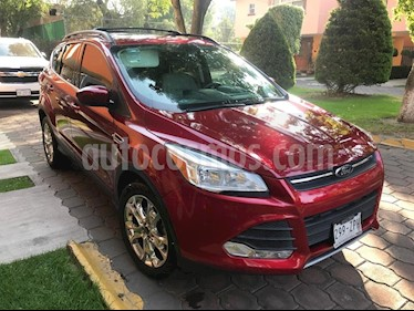 foto Ford Escape SE Plus usado (2014) color Rojo Rubí precio $210,000