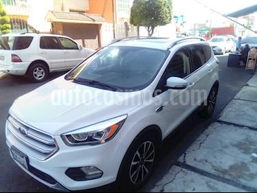 Foto Ford Escape Titanium usado (2017) color Blanco precio $370,000