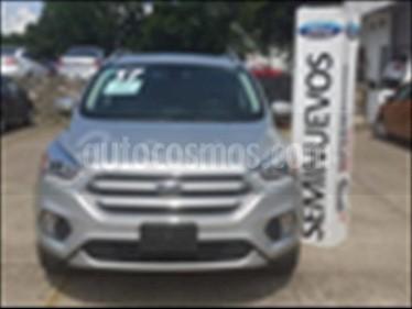 Foto venta Auto usado Ford Escape Titanium (2017) color Plata precio $385,000