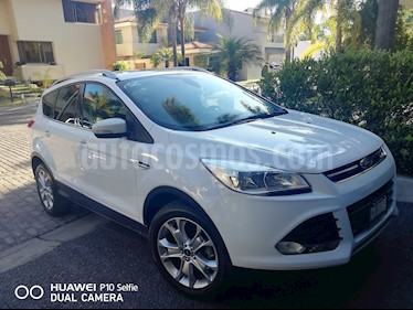 Ford Escape Titanium usado (2015) color Blanco Oxford precio $250,000