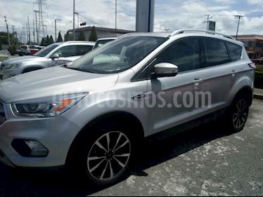 Foto Ford Escape Titanium usado (2017) color Plata precio $355,000