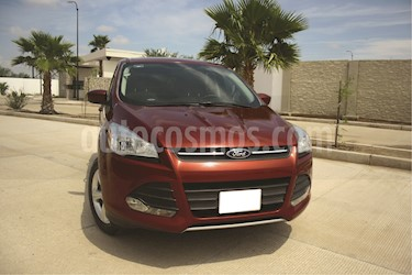 Foto Ford Escape Trend Advance EcoBoost usado (2014) color Rojo Rubi precio $210,000
