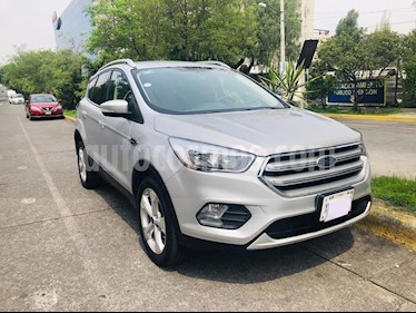 Ford Escape Trend Advance usado (2017) color Plata precio $300,000