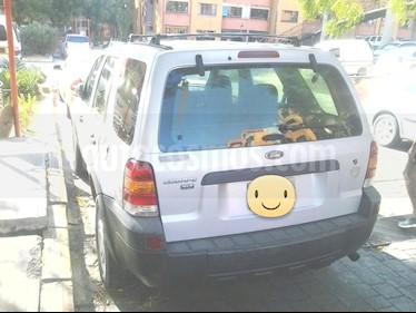 Foto venta carro usado Ford Escape XLT Auto. 4x4 (2007) color Plata precio u$s2.800
