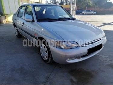 foto Ford Escort Cross 1.6L usado (2000) color Blanco precio $100.000