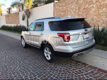Ford Explorer XLT 4x2 4.0L  usado (2016) color Plata precio $369,900