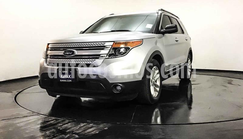 Ford Explorer XLT Base Piel usado (2014) color Plata precio $262,999