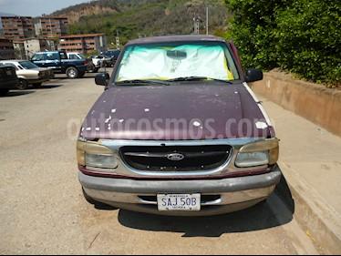 Foto venta carro usado Ford Explorer XLT 4 Ptas. 4x2 (1999) color Rojo precio u$s1.500