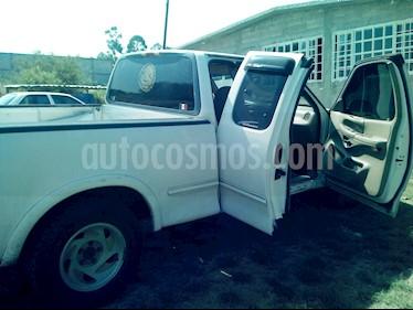 Ford F-150 Cabina y Media 4x2 V8 usado (1998) color Blanco precio $78,000