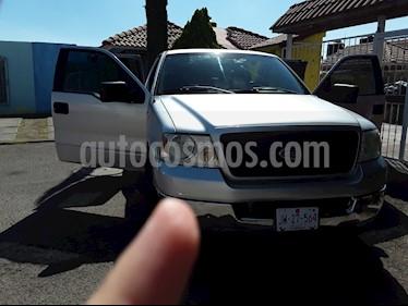 Ford F-150 Cabina y Media 4x2 V8 usado (2004) color Plata precio $136,000