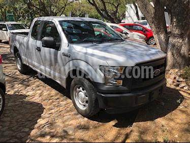 Ford F-150 Cabina y Media 4x2 V8 usado (2016) color Plata precio $349,000