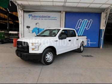 Ford F-150 4p XL Crew Cab 4x2 V8/5.0 Aut usado (2015) color Blanco precio $165,000