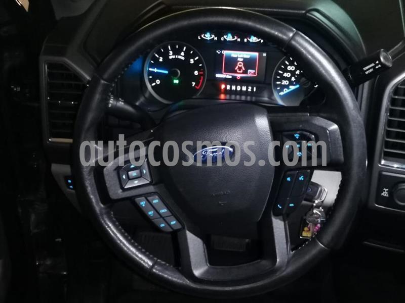 Ford F-150 Doble Cabina 4x4 V8 usado (2017) color Gris Nocturno precio $465,000