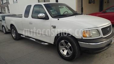 Ford F-150 XL 4.2L V6 usado (2002) color Blanco precio $65,000