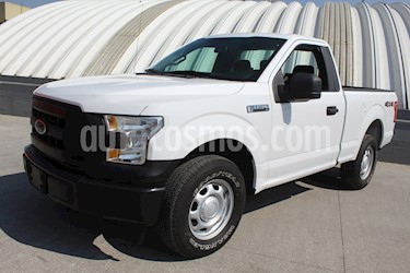 Ford F-150 XL 4x4 4.6L Cabina Regular usado (2017) color Blanco Oxford precio $369,000