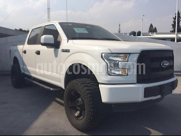 Ford F-150 XL 4x4 5.0L Crew Cabina usado (2015) color Blanco precio $390,000