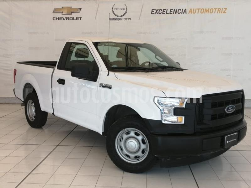 Ford F-150 XL 4x2 5.0L Cabina Regular usado (2017) color Blanco Oxford precio $385,000