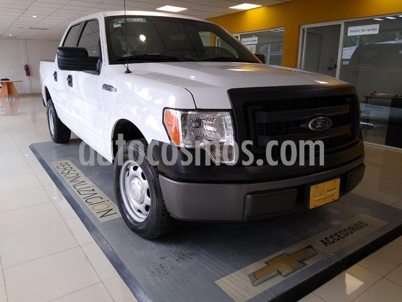 Ford F-150 XL 4x2 5.0L Crew Cabina usado (2014) color Blanco precio $280,000