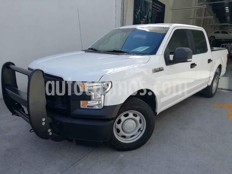 Ford F-150 XL 4x2 5.0L Crew Cabina usado (2015) color Blanco precio $319,000