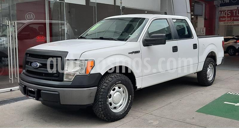 Ford F-150 XL 4x2 5.0L Crew Cabina usado (2014) color Blanco precio $320,000