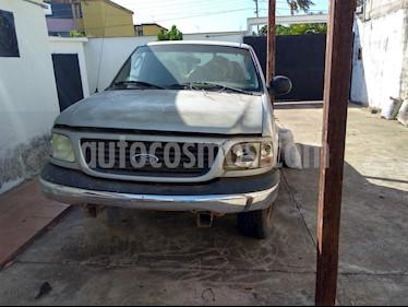 Ford F-150 Lariat Xlt V8,5.4i,16v A 1 3 usado (2005) color Plata precio u$s2.000