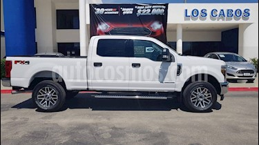 Ford F-250 XLT Super Duty Cabina Doble Diesel usado (2019) color Blanco Oxford precio $890,000