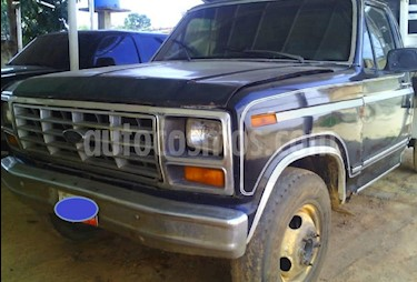Foto venta carro usado Ford F-350 5.4L 4x2 (1984) color Azul precio u$s3.800