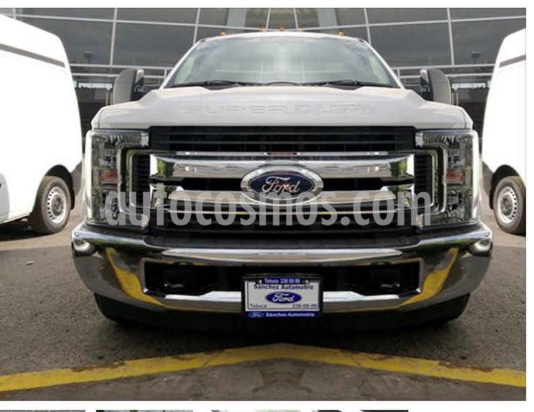 Foto Ford F-350 XL 6.2L Plus usado (2019) color Blanco precio $630,000
