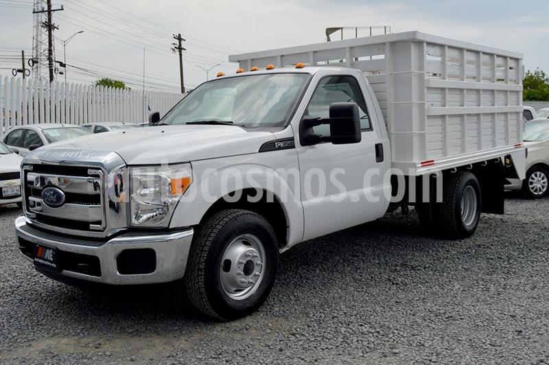 Ford F-350 XL 6.2L Plus Aut Ac usado (2016) color Blanco precio $419,000