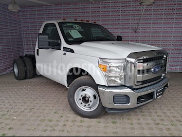 Foto Ford F-350 XL 5.4L Super Duty usado (2015) color Blanco Oxford precio $340,000