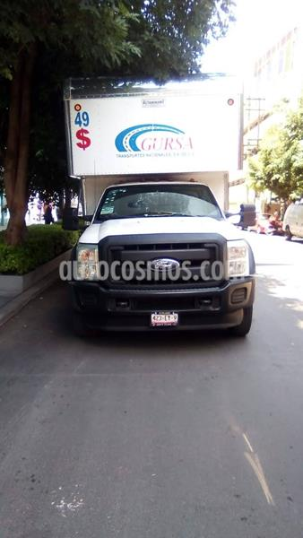 Ford F-450 XL 6.8L Aut usado (2015) color Blanco Oxford precio $600,000