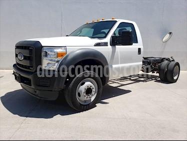 Ford F-450 XL 6.8L Aut usado (2016) color Blanco precio $440,000