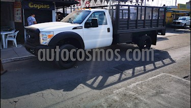 Ford F-550 XL 6.8L Super Duty Aa usado (2015) color Blanco precio $425,000