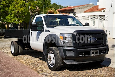 Ford F-550 XL 6.8L Super Duty Aut usado (2016) color Blanco Oxford precio $490,000
