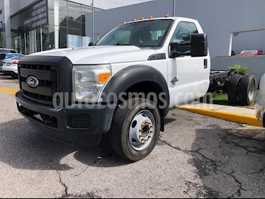 Foto Ford F-550 XL 6.7L Super Duty Aut Diesel usado (2011) color Blanco Oxford precio $300,000