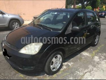 Ford Fiesta Hatchback First Ac usado (2004) color Negro precio $43,000
