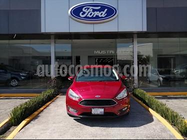Ford Fiesta Hatchback SE Aut usado (2015) color Rojo precio $158,000