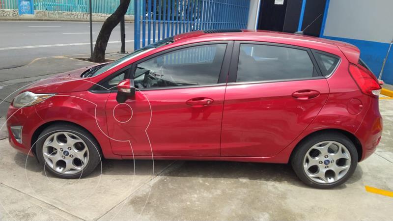 Foto Ford Fiesta Hatchback SES usado (2011) color Rojo precio $115,000