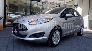 Ford Fiesta Hatchback 4P S AT A/AC. R-15 usado (2015) color Plata precio $139,000