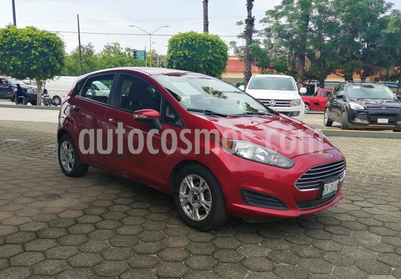 Ford Fiesta Hatchback SE usado (2016) color Rojo Rubi precio $170,000